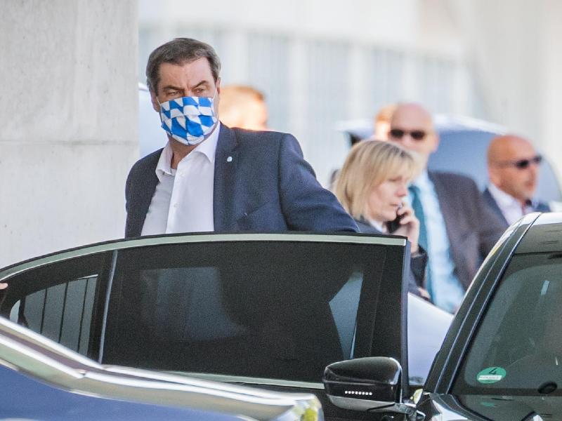 Bayerns Minmiszterpräsident Markus Söder, auf dem Weg zur Sitzung im Kanzleramt. Foto: Michael Kappeler/dpa