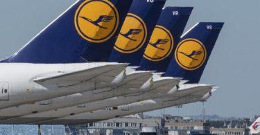Stillgelegte Passagiermaschine der Lufthansa. Foto: Boris Roessler/dpa