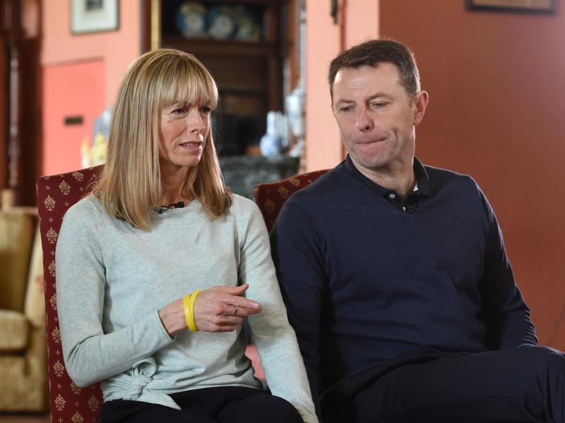 Die Eltern des verschwundenen britischen Mädchens Madeleine «Maddie» McCann. Foto: Joe Giddens/PA Wire/dpa