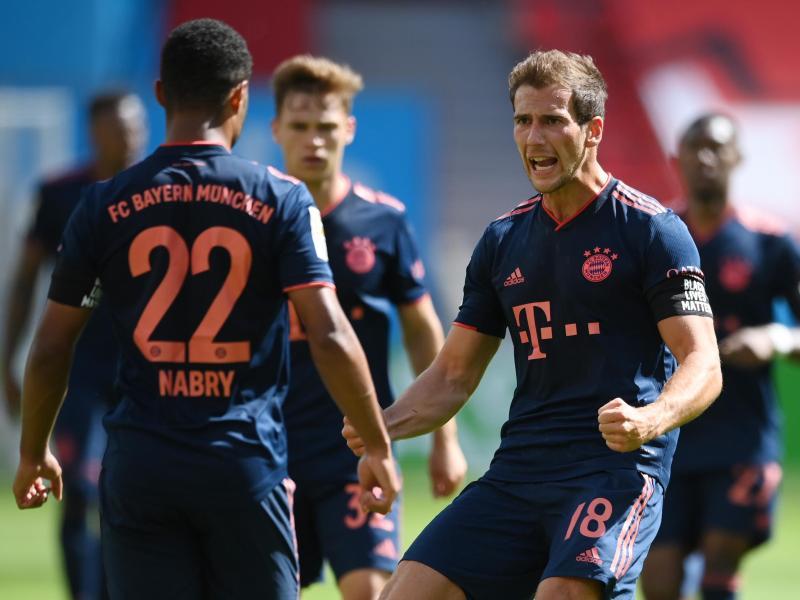 Leon Goretzka (r) wächst beim FC Bayern mehr und mehr in eine Leaderrolle hinein. Foto: Matthias Hangst/Getty Images Europe/Pool/dpa
