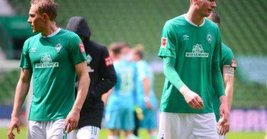 Werder Bremen ist nach der Niederlage gegen Wolfsburg jetzt schon sechs Punkte von einem direkten Nichtabstiegsplatz entfernt. Foto: Patrik Stollarz/AFP/Pool/dpa