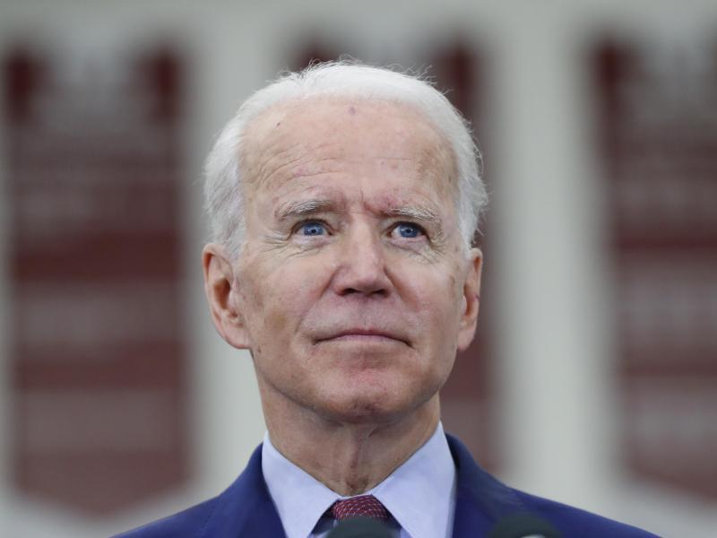 Einen Tag vor der Beerdigung von George Flloyd will Joe Biden die Angehörigen zu einem Gespräch treffen. Foto: Paul Sancya/AP/dpa