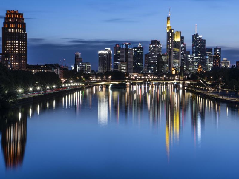 In Frankfurt freut man sich auf die Fashion Week. Foto: Boris Roessler/dpa