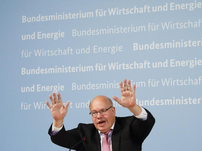 Bundeswirtschaftsminister Peter Altmaier bei der Pressekonferenz zum Einstieg bei Curevac. Foto: Markus Schreiber/AP/POOL/dpa