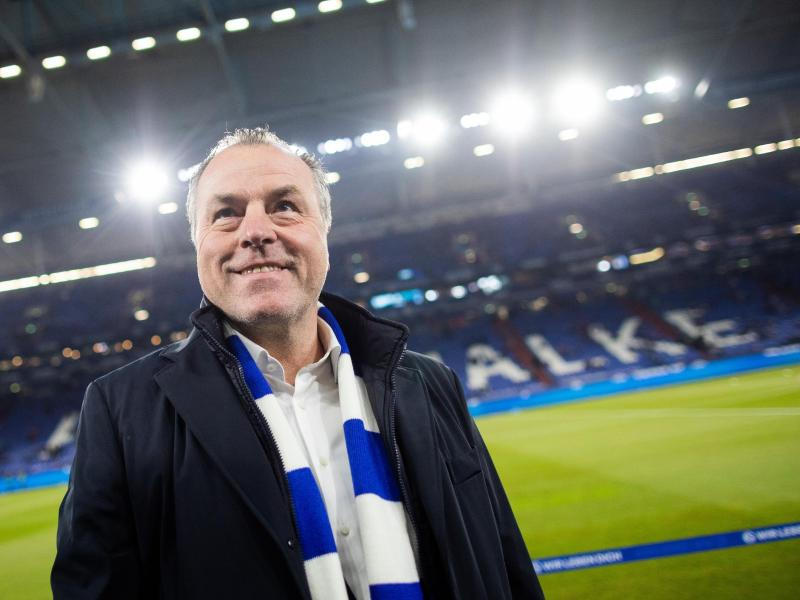 Steht in der Kritik: Schalkes Aufsichtsratsvorsitzender Clemens Tönnies. Foto: Rolf Vennenbernd/dpa