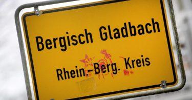 Im Missbrauchskomplex inBergischGladbach verfolgen die Behörden auch die Verbreitung der Aufnahmen im Internet. Foto: Federico Gambarini/dpa
