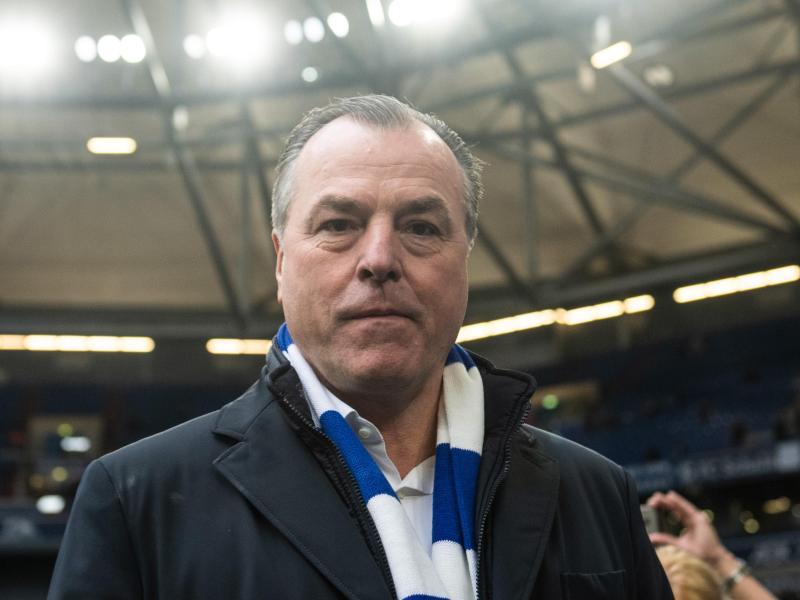 Clemens Tönnies tritt als Aufsichtsratsvorsitzender beim FC Schalke 04 zurück. Foto: Bernd Thissen/dpa