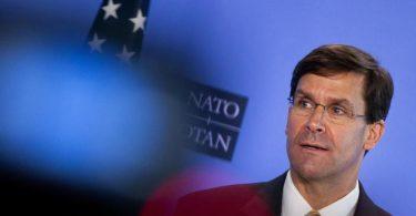 Mark Esper, Verteidigungsminister der USA, hat die Pläne zumTruppenabzug mit Trump besprochen. Foto: Virginia Mayo/AP Pool/dpa