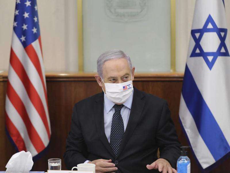 Mit US-Vertretern habe er «über die Frage der Souveränität gesprochen, an der wir in diesen Tagen arbeiten, und an der wir in den kommenden Tagen weiter arbeiten werden», sagt Regierungschef Benjamin Netanjahu. Foto: Abir Sultan/POOL EPA/AP/dpa