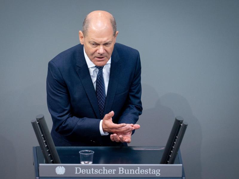 Finanzminister Olaf Scholz (SPD) bei der Debatte um die Verabschiedung des zweiten Nachtragshaushalts und der Grundrente im Bundestag. Foto: Kay Nietfeld/dpa