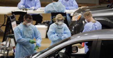 Eine Drive-In-Teststation auf Covid-19 in den USA. Foto: Mark Humphrey/AP/dpa