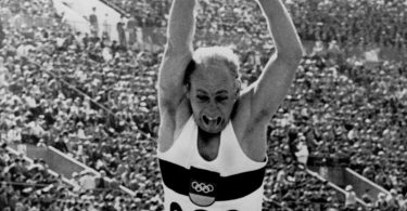 Holte 1964 Olympia-Gold im Zehnkampf: Willi Holdorf. Foto: --/epa/dpa