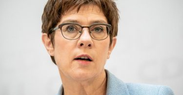 CDU-Chefin Annegret Kramp-Karrenbauer will für ihre Partei eine verbindliche Frauenquote. Foto: Michael Kappeler/dpa