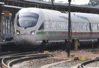 Ein ICE-Zug steht im Bahnhof vonStralsund. So pünktlich wie in den ersten sechs Monaten dieses Jahres war die Bahn eigenen Angaben zufolge zuletzt im Jahr 2008. Foto: Stefan Sauer/dpa