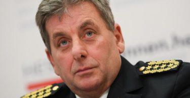 Hessens Landespolizeipräsident Udo Münch tritt wegen der Affäre um Droh-E-Mails und ein mögliches rechtes Netzwerk in der Polizei zurück. Foto: Arne Dedert/dpa