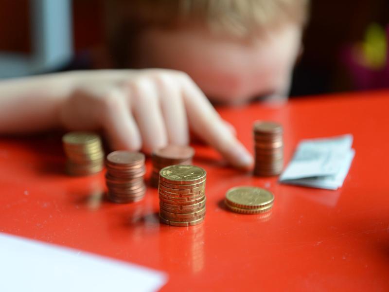 Mehr als jeder fünfte Heranwachsende ist in Deutschland von Armut betroffen. Foto: picture alliance / ZB