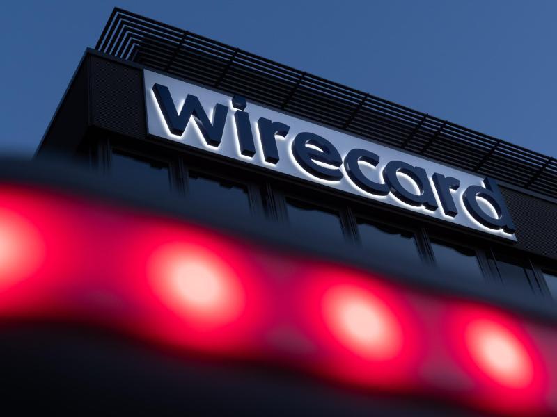 Der Schriftzug von Wirecard ist an der Firmenzentrale des Zahlungsdienstleisters in Aschbeim bei München zu sehen. Foto: Peter Kneffel/dpa