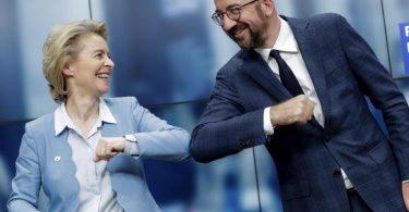 Finanzpaket muss vom Parlament gebilligt werden: Ursula von der Leyen und Charles Michel müssen um die Zustimmung der Parlamentarier werben. Foto: Stephanie Lecocq/EPA Pool/AP/dpa