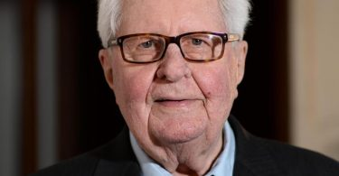 Hans-Jochen Vogel wurde 94 Jahre alt. Foto: Andreas Gebert/dpa