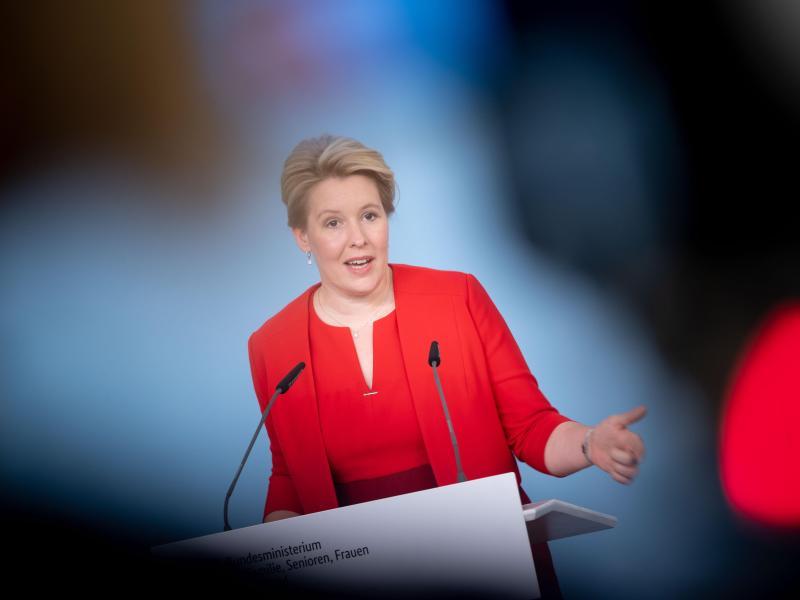Jugendministerin Franziska Giffey (SPD) setzt sich für mehr politische Partizipation ein. Foto: Kay Nietfeld/dpa