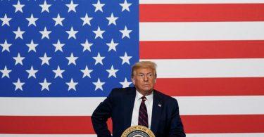 US-Präsident Donald Trump schlägt eine Wahlverschiebung vor. Foto: Evan Vucci/AP/dpa
