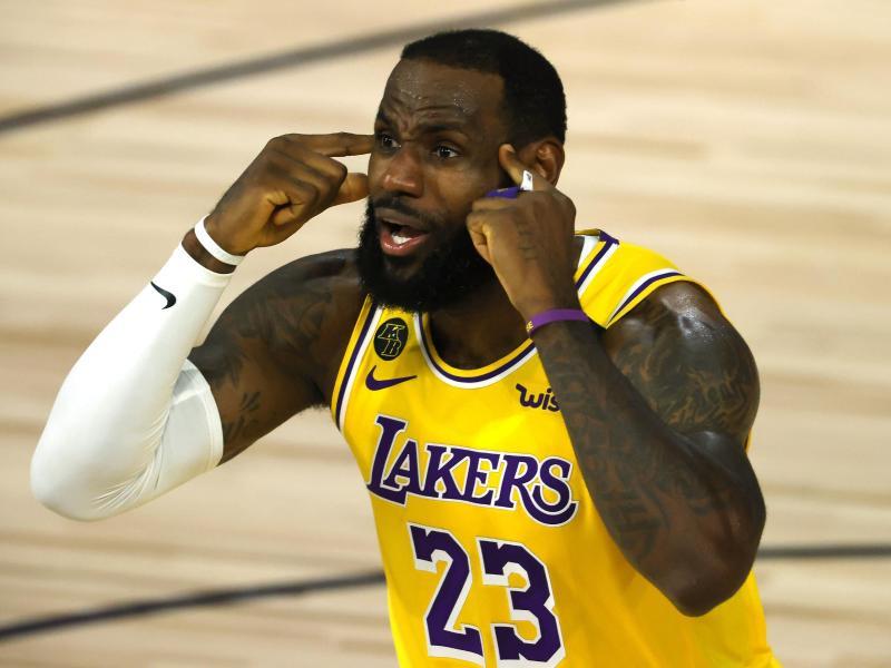 Musste mit den Los Angeles Lakers eine Pleite gegen Oklahoma hinnehmen: LeBron James. Foto: Kevin C. Cox/Pool Getty Images/AP/dpa