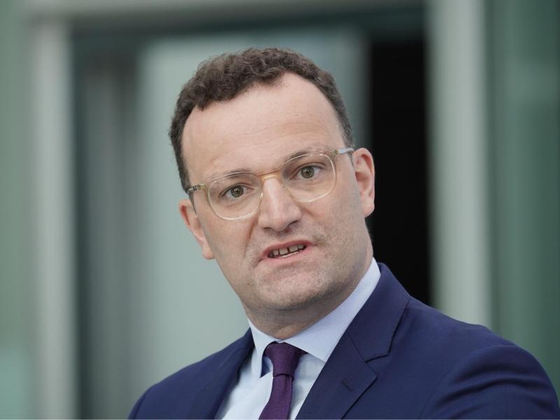 Ordnet Testpflicht für Rückkehrer aus Risikogebieten ab Samstag an: Jens Spahn (CDU), Bundesminister für Gesundheit. Foto: Michael Kappeler/dpa