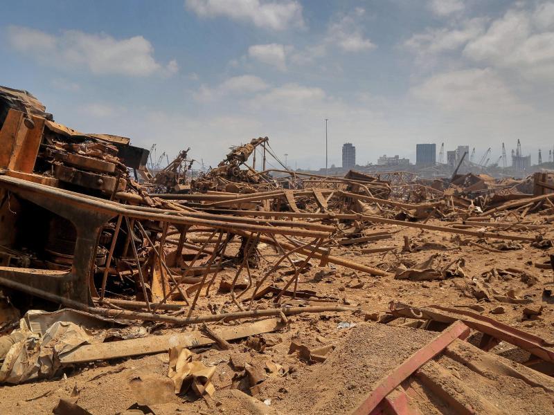 Noch immer wird gehofft, in den Trümmern Überlebende zu finden. Foto: Marwan Naamani/dpa