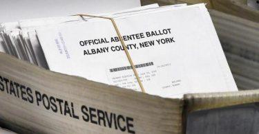 Knapp drei Monate vor der US-Präsidentenwahl rückt die Rolle der Post in den Mittelpunkt. Foto: Hans Pennink/AP/dpa