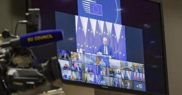 Die Staats- und Regierungschefs der EU sprechen bei einer Videokonferenz über den Umgang mit der politischen Krise in Belarus. Foto: Olivier Hoslet/EPA POOL/AP/dpa
