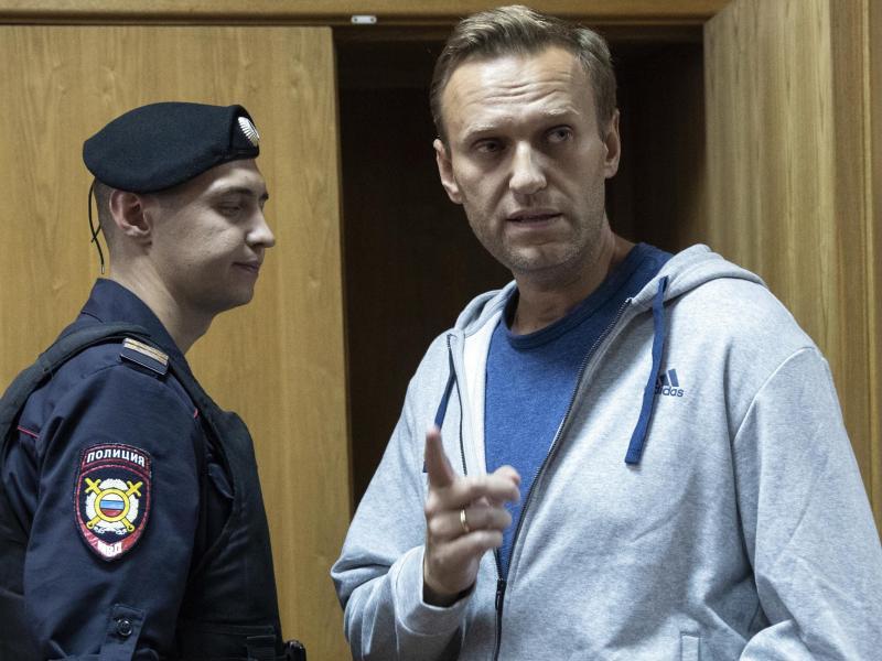 Kremlkritiker Alexej Nawalny wird nach einer möglicher Vergiftung in Berlin behandelt. Foto: Pavel Golovkin/AP/dpa