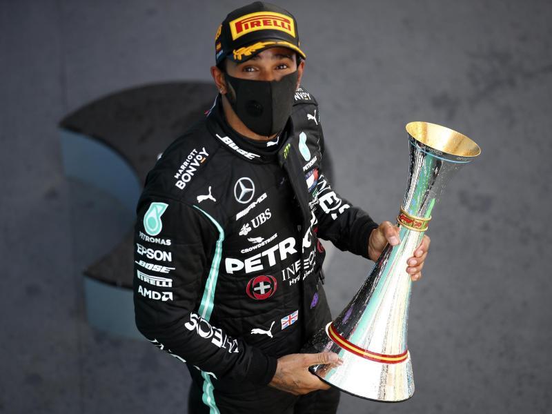 Mercedes-Star Lewis Hamilton hatte zuletzt den Großer Preis von Spanien gewonnen. Foto: Bryn Lennon/Pool Getty/AP/dpa