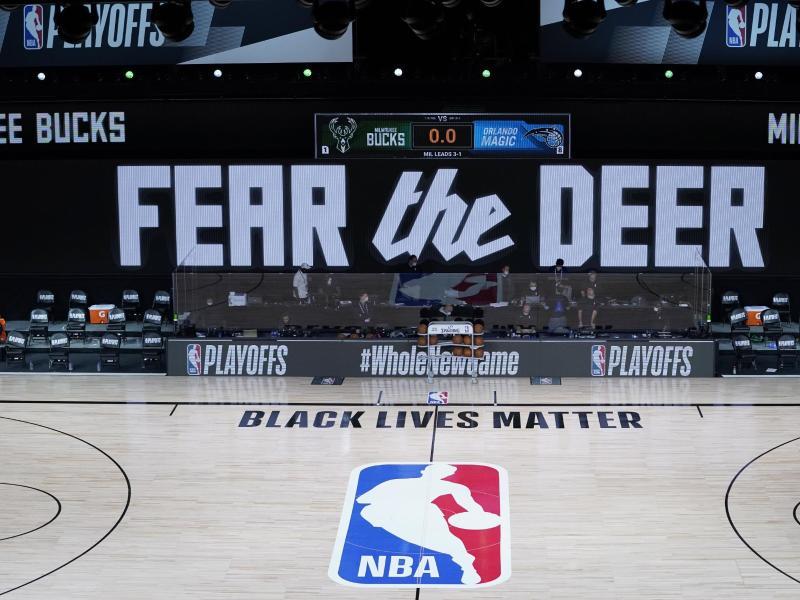 Die Halle blieb beim geplanten Spiel zwischen den Milwaukee Bucks und Orlando Magic auch auf dem Parkett leer. Foto: Ashley Landis/Pool AP/dpa