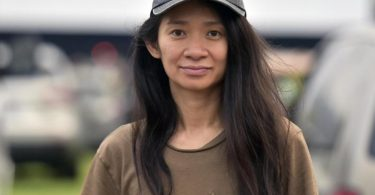 Der Goldene Löwe des Filmfestivals Venedig geht an das US-Drama «Nomadland» der in China geborenen Regisseurin Chloé Zhao. Foto: Richard Shotwell/Invision/AP/dpa