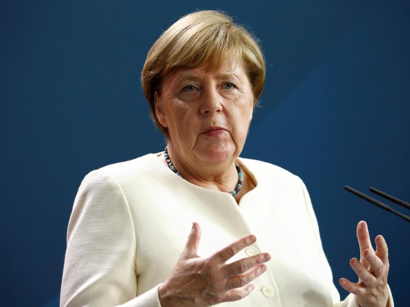Bundeskanzlerin Angela Merkel (CDU)und Innenminister Horst Seehofer (CSU)haben sich darauf verständigt, zusätzlich rund 1500 weitere Migranten von den griechischen Inseln aufzunehmen. Foto: Michele Tantussi/reuters/Pool/dpa