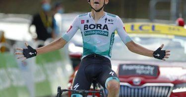 Gewann als Solist die 16. Etappe der 107. Tour de France: Lennard Kämna. Foto: Pool/BELGA/dpa