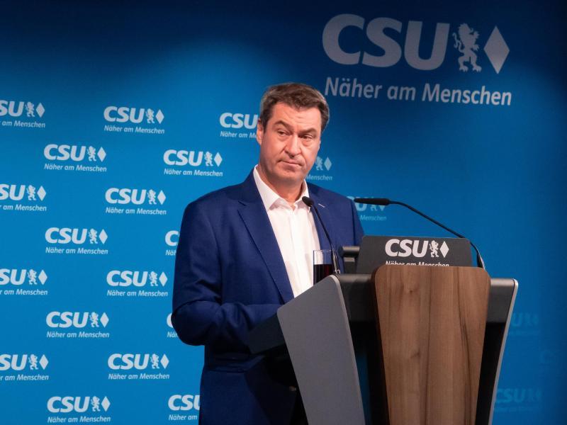 Bayerns Ministerpräsident Markus Söder kündigte eine schärfere Quarantäneregel für Fußballfans an. Foto: Josefine Kaukemüller/dpa