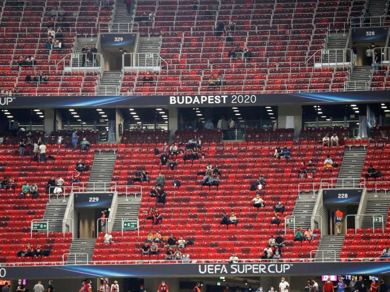 In Budapest waren trotz der Corona-Krise Fans auf der Tribüne zugelassen. Foto: Bernadett Szabo/Reuters Pool/AP/dpa