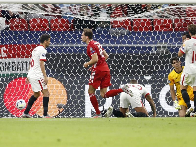 Bayern-Profi Leon Goretzka (2.v.l) traf zum 1:1. Foto: Laszlo Balogh/AP Pool/dpa