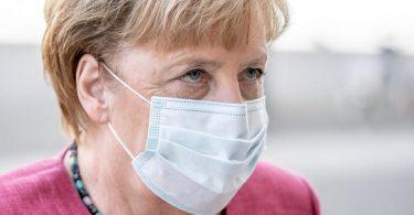 Kanzlerin Angela Merkel und die Länder-Chefs berieten heute über das weitere Vorgehen in der Corona-Pandemie. Foto: Michael Kappeler/dpa