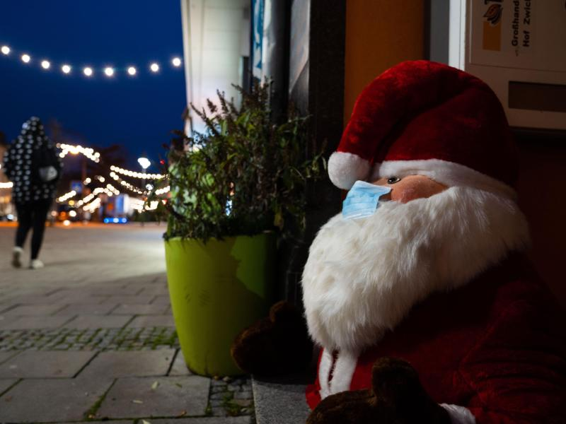 Kommt vor Weihnachten doch noch der harte Lockdown?. Foto: Nicolas Armer/dpa