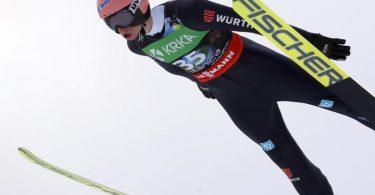 Startete stark in die Skiflug-WM in Planica: KarlGeiger. Foto: Darko Bandic/AP/dpa