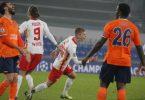 Leipzigs Daniel Olmo (M) feiert den dritten Treffer für seine Mannschaft gegen Basaksehir. Foto: Uncredited/AP/dpa