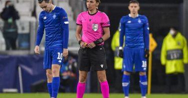 Schiedsrichterin Stéphanie Frappart leitete die Partie zwischen Juventus Turin und Dynamo Kiew. Foto: Marco Alpozzi/LaPresse/dpa
