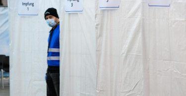 Blick in ein Probe-Impfzentrum in Rheinland-Pfalz. Foto: Andreas Arnold/dpa
