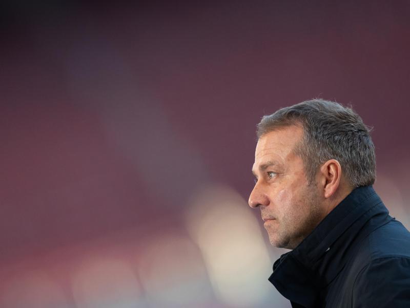 Bayern-Trainer Hansi Flick stachelt seine Bayern-Stars vor dem Spiel gegen Leipzig an. Foto: Tom Weller/dpa