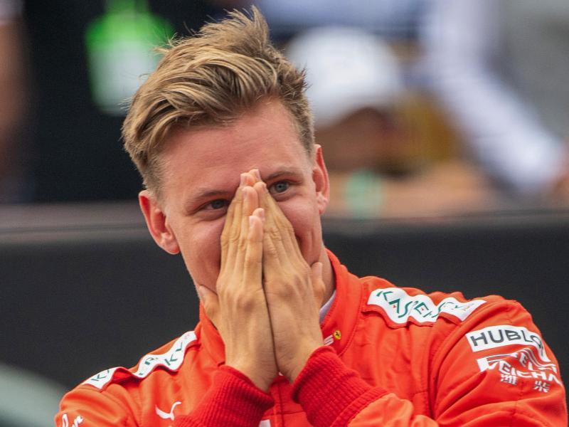 Holte den Formel-2-Titel:Mick Schumacher. Foto: Sebastian Gollnow/dpa