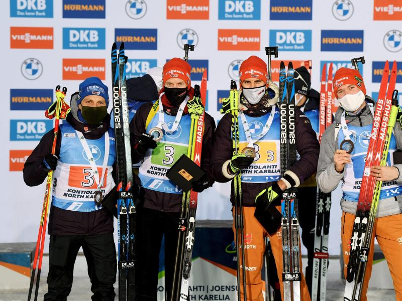 Erik Lesser, Roman Rees, Arnd Peiffer und Benedikt Doll (l-r) wurden Dritte. Foto: Antti Aimo-Koivisto/Lehtikuva/dpa