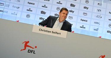Christian Seifert, Sprecher des Präsidiums der DFL Deutsche Fußball Liga e.V., spricht im Anschluss an die DFL-Mitgliederversammlung auf einer Pressekonferenz. Foto: Arne Dedert/dpa