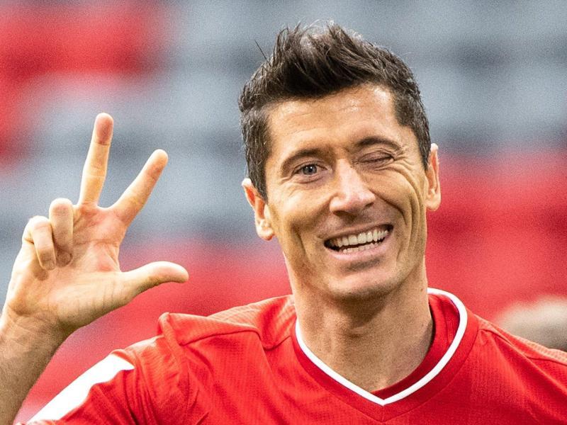 Bayern-Stürmer Robert Lewandowski könnte Weltfußballer werden. Foto: Matthias Balk/dpa